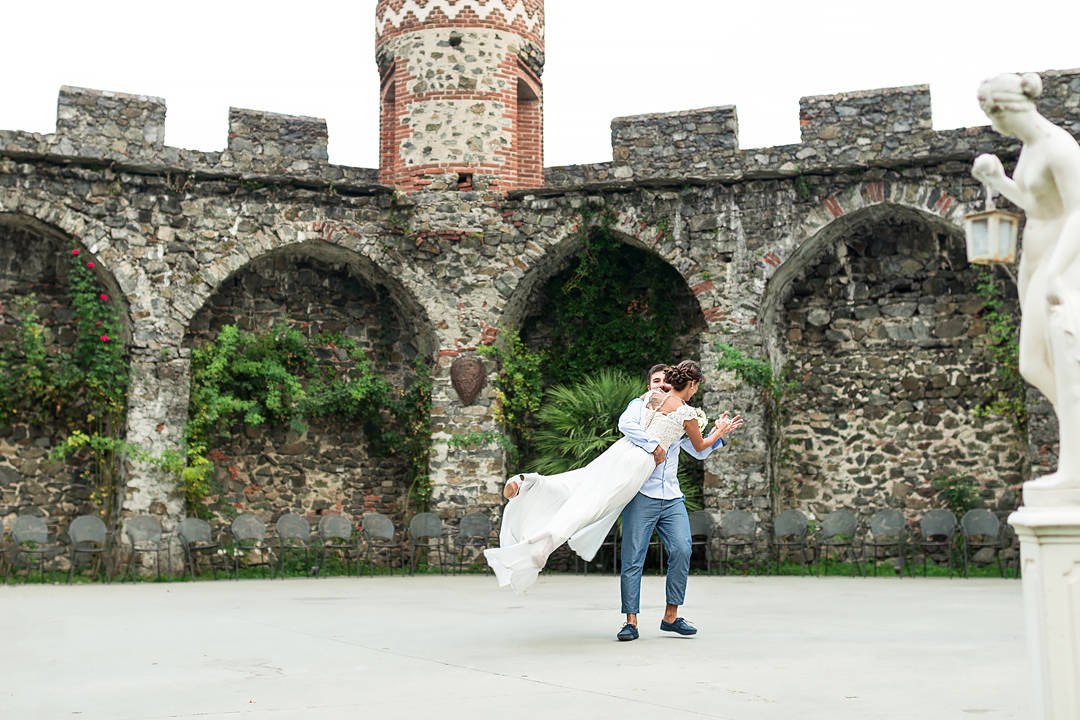 bride and groom castello di pavone