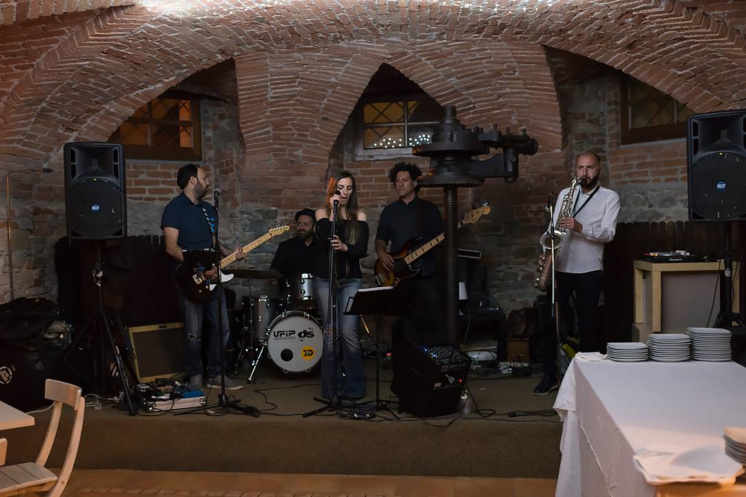 caver band wedding
