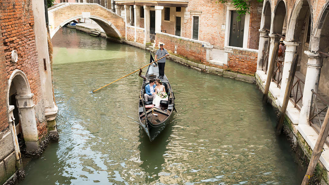 wedding gondola venice