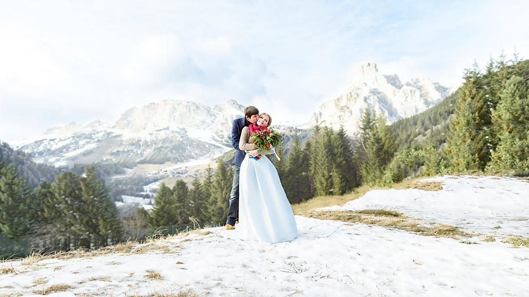 winter wedding in dolomites alps italy